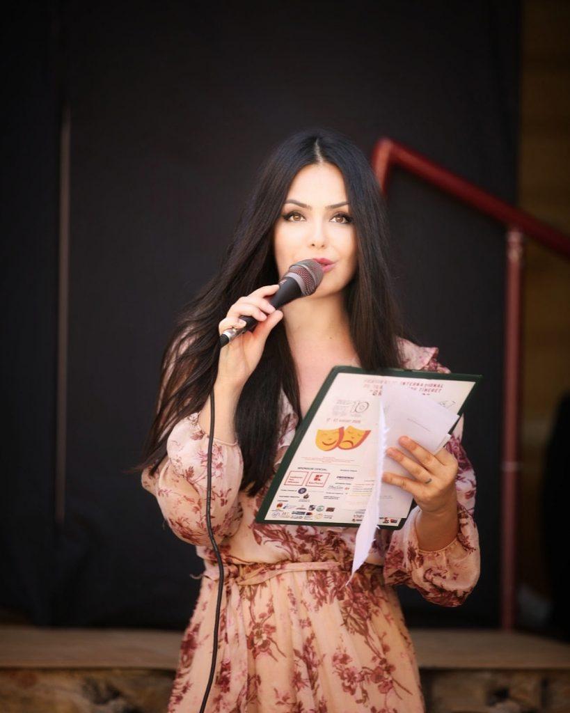 Stefania_Mihailescu_moderator_festival_Birlic_2020