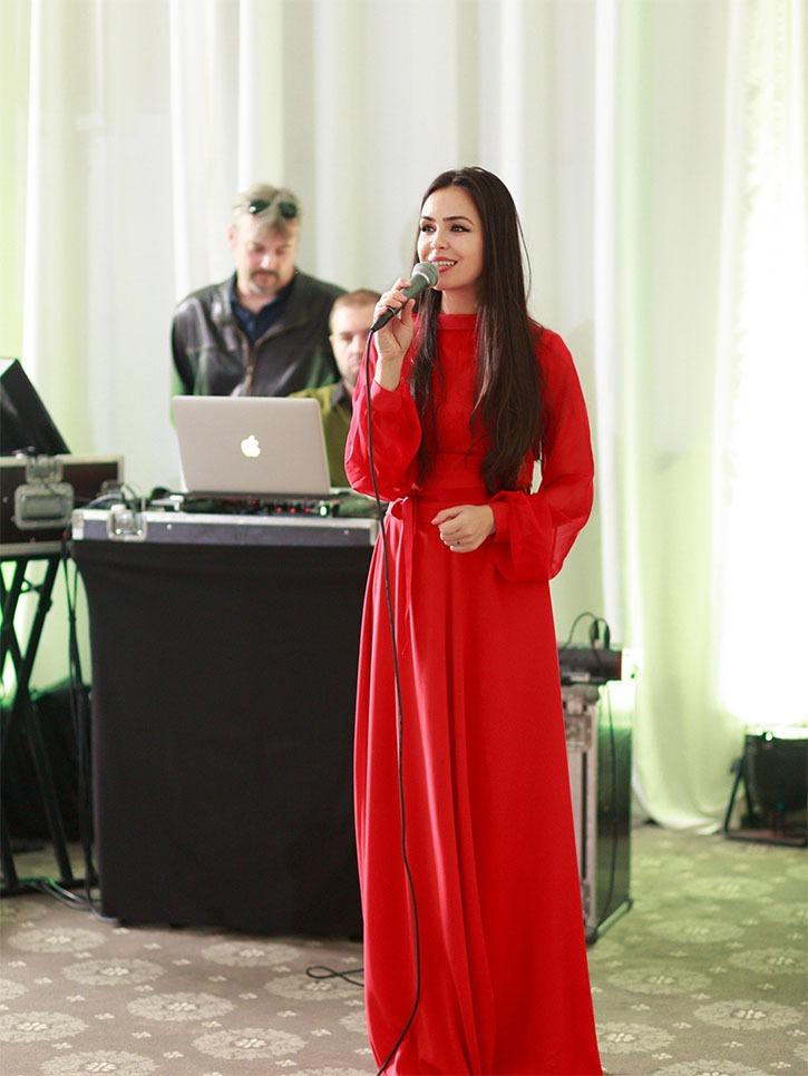 Solista muzica live Stefania Mihailescu
